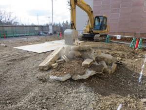 20160224既設建物基礎解体ガラ出土